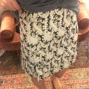 Dresses & Skirts - White skirt with detailing -
